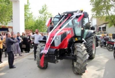 15 traktorla gəlin gətirməyə gedən bəy - FOTO