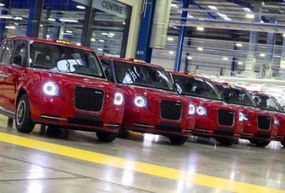 Azərbaycan qırmızı London taksiləri alıb
