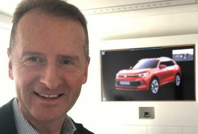 VW şirkətinin başçısı təsadüfən yeni krossoveri nümayiş etdirib