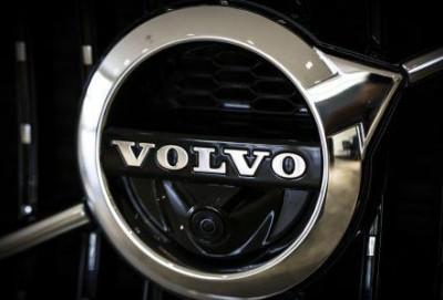 """Volvo"" 2 milyondan çox avtomobili geri çağırıb"