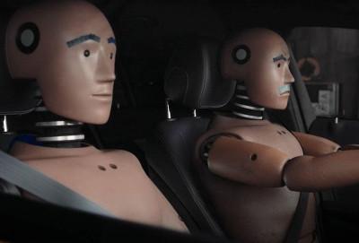 Mercedes-Benz krəş-test manekenlərinin həyatından bəhs edən serial çəkib