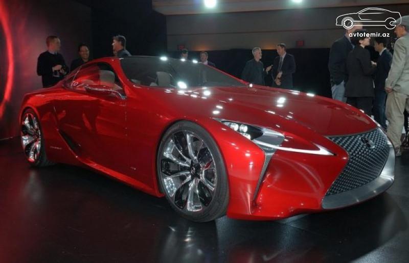 Lexus üç modelini təqdim edib