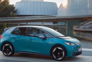 """""""Volkswagen"""" yeni hetçbekini təqdim etməyə hazırlaşır"""