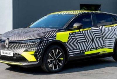 """""""Renault"""" yeni modeli haqqında məlumat yaydı"""